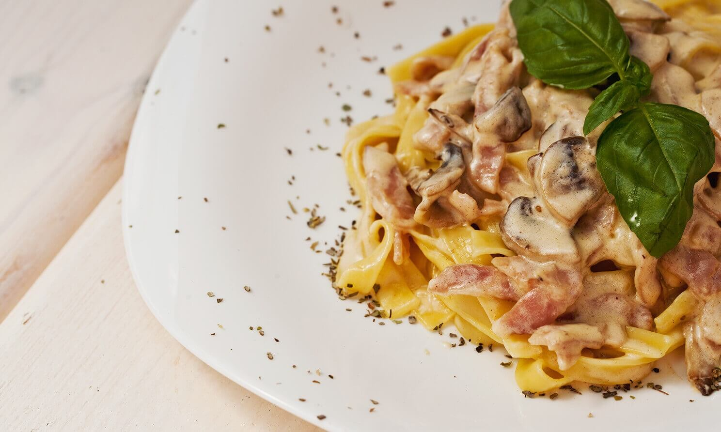 How to cook pasta with mushrooms in creamy sauce 3