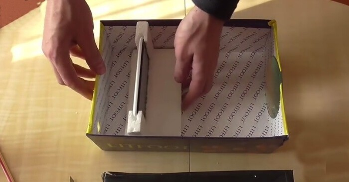 How to make a video projector by hand from a mobile phone 7
